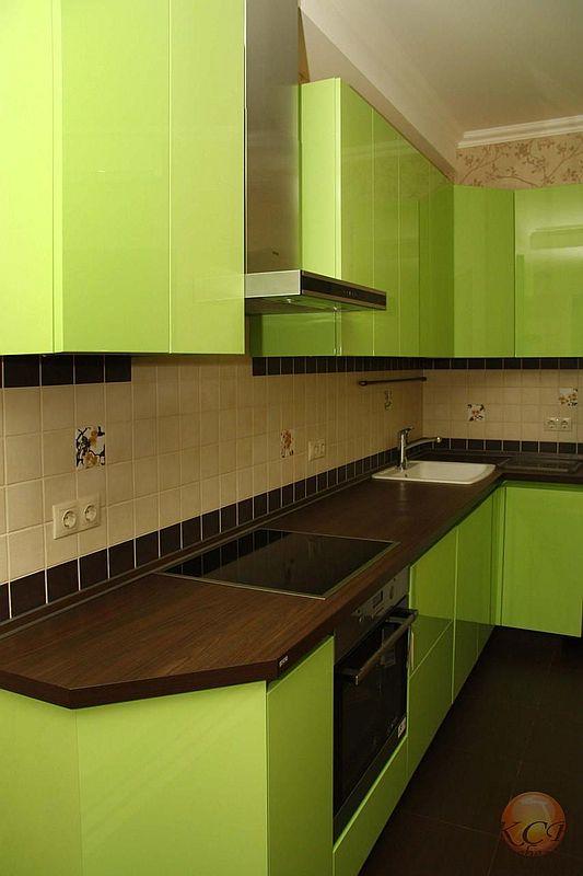 Стоимость изготовления такой кухни от 45000 руб за 1 пог.м включая столешницу
