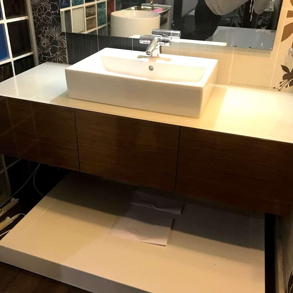 Мебельный для ванной с раковиной чашей