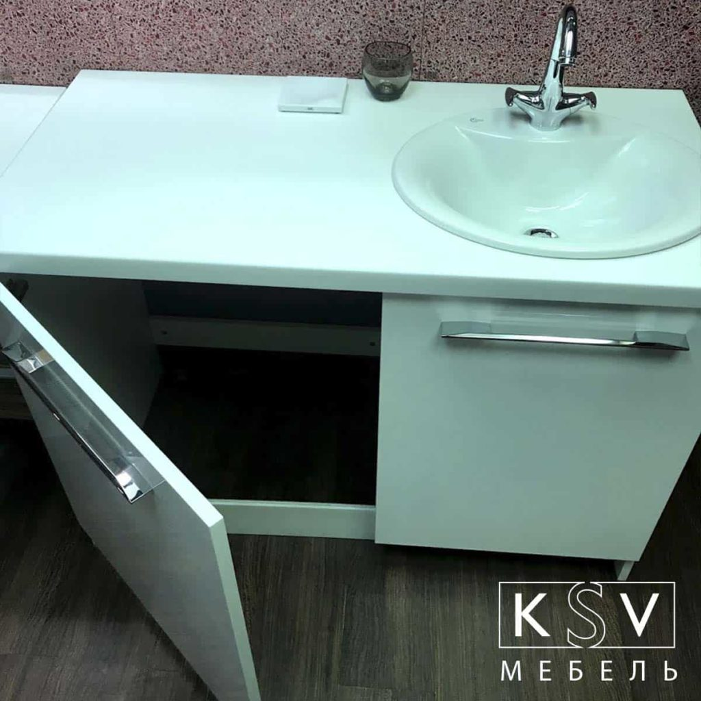 Мебель для стиральной машины с открытой дверкой